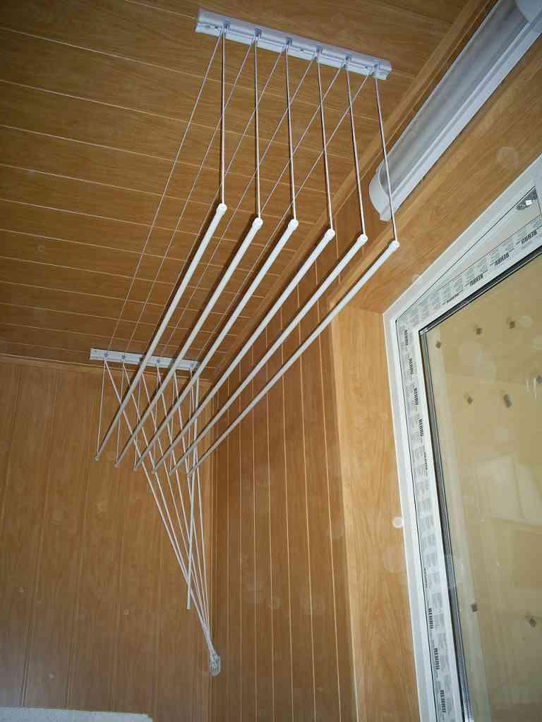 Как своими руками сделать сушилку на балконе